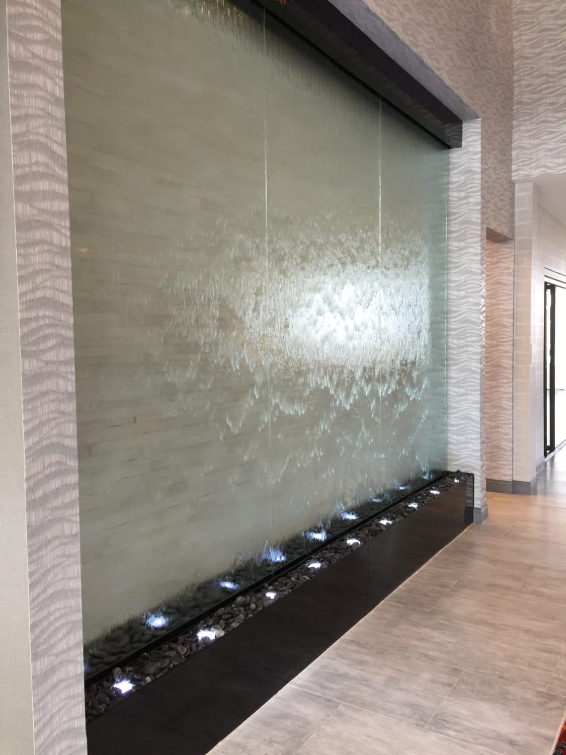 Glass Water Wall at Holiday Inn Houston Airport 3
